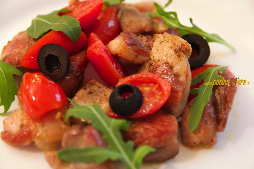 Il Pollo dei Sogni con Pomodorini Datterini e Olive – Leggero e Senza Glutine – VIDEO e FOTO