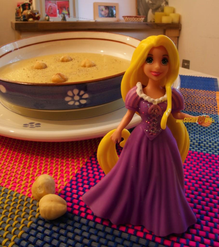 Zuppa di Nocciole di Rapunzel – Piatto Disney Senza Glutine
