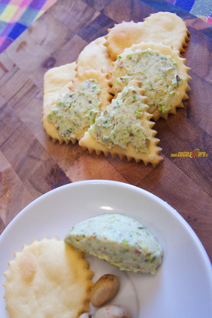 Biscotti Salati con Mascarpone al Pistacchio – Antipasto Senza Glutine