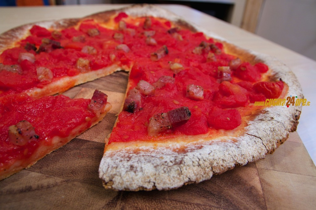 Pizza all'Amatriciana. L'eccellenza culinaria senza glutine – FOTO e VIDEO