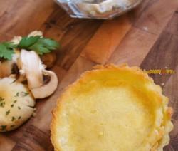 Tortino di Pasta Brisè Con Gorgonzola e Funghi Senza Glutine – Piatto Vegetariano