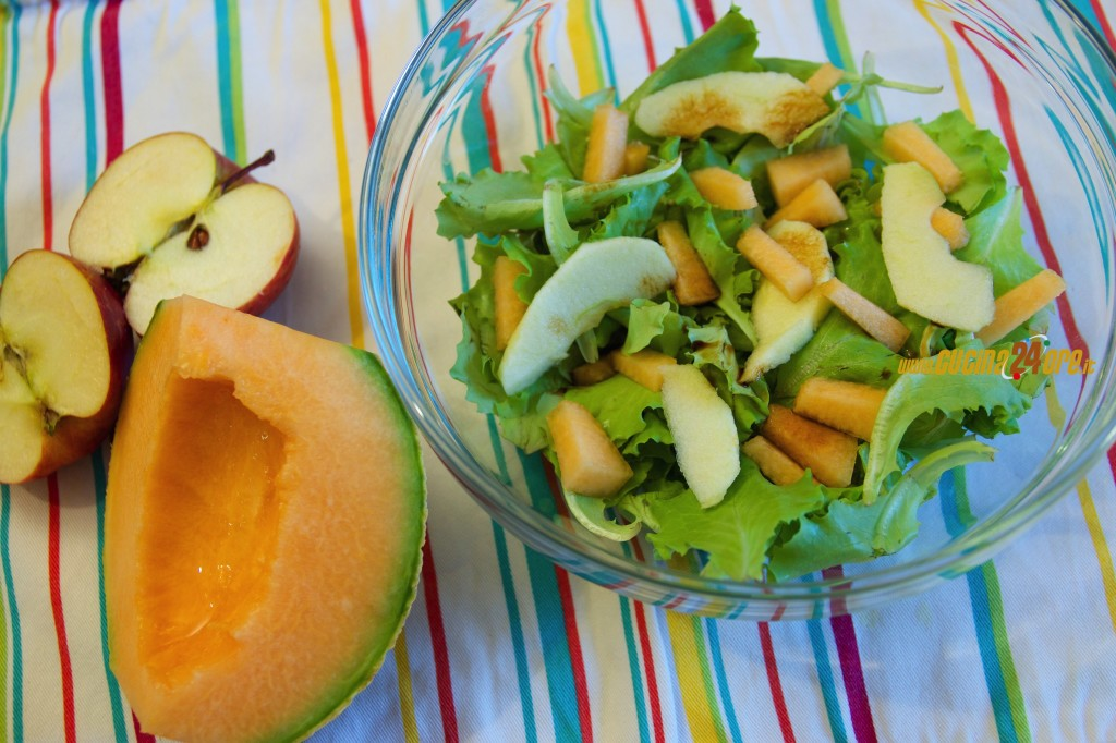 Insalata Fresca con Frutta – Come Eliminare il Sale Con Tanto Gusto