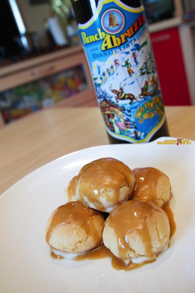 """""""Finto Profitteroles"""" di Amaretti Con Glassa Al Punch – Dessert Velocissimo"""