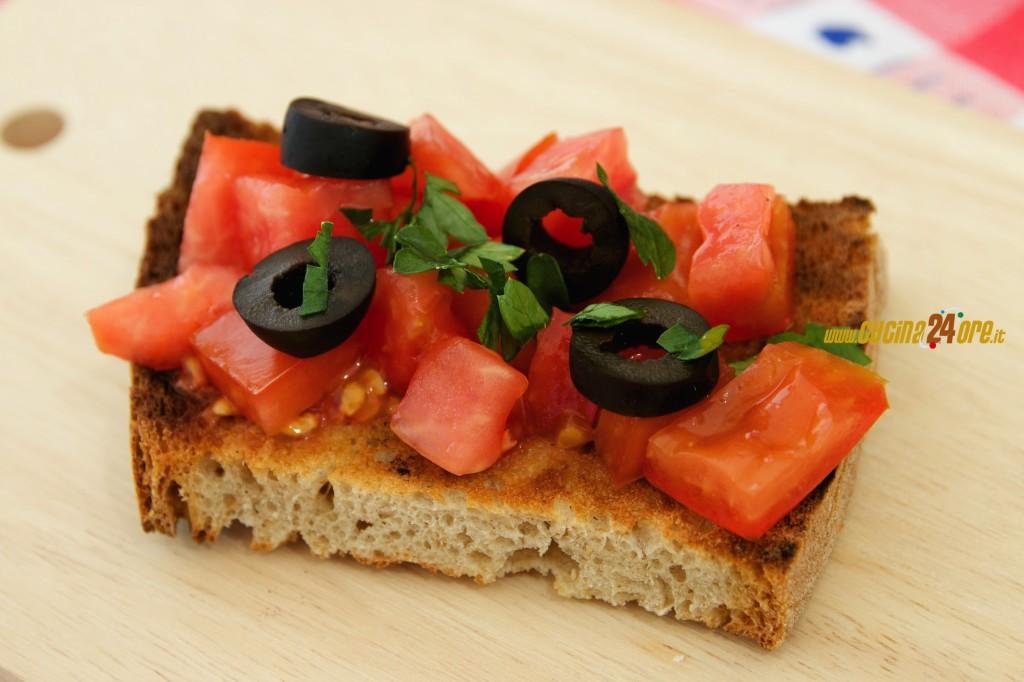 Bruschetta Mediterranea – Semplice e Leggera, Anche Senza Glutine