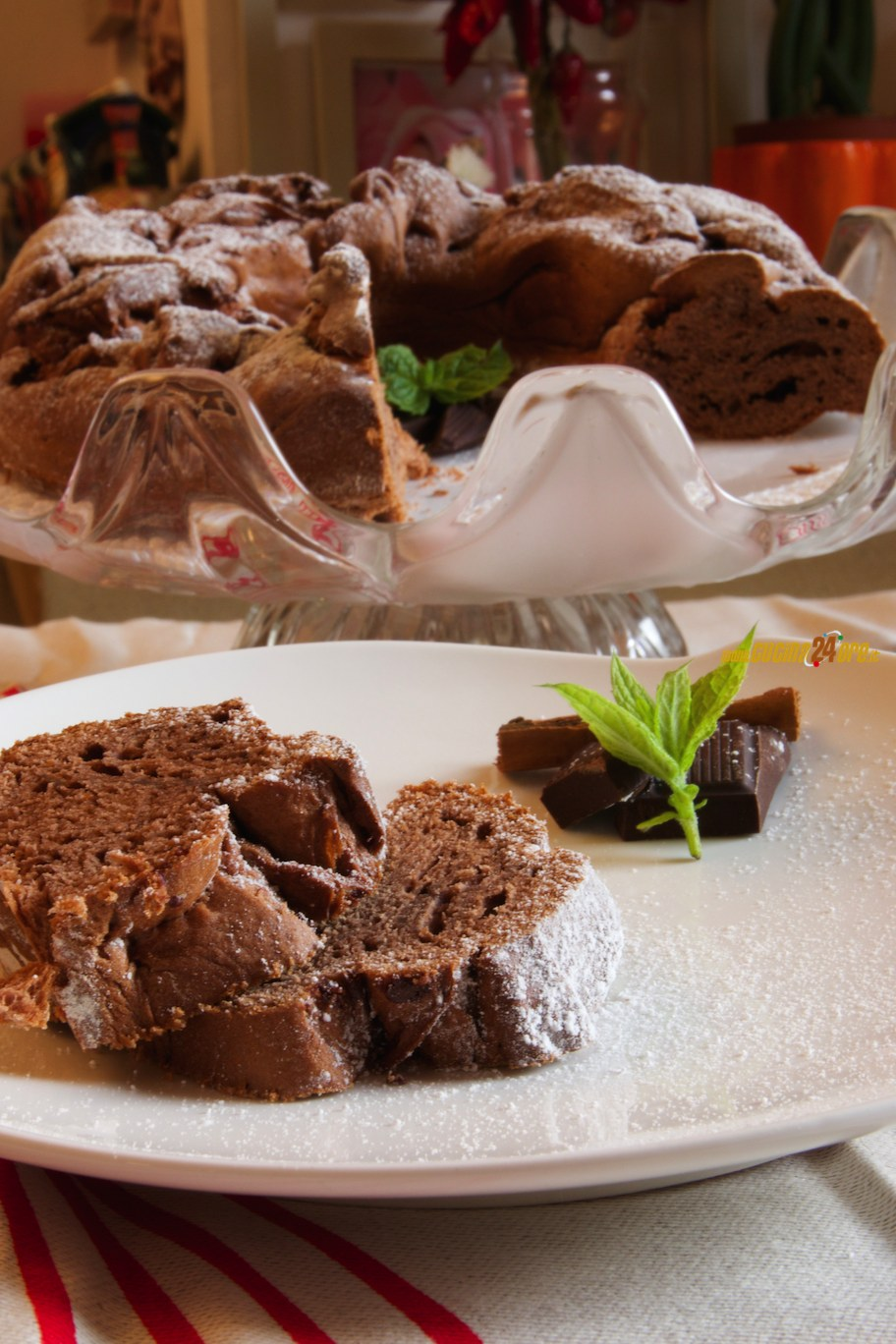 Leggero e Senza Glutine, il Ciambellone al Cioccolato Fondente