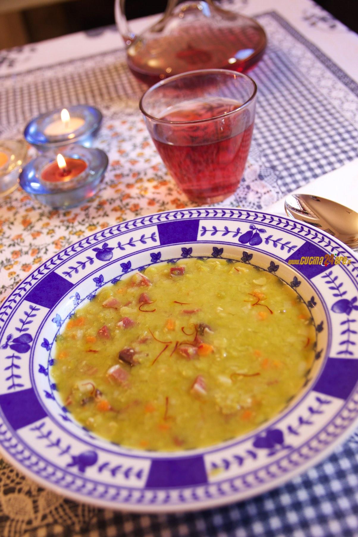 Zuppa di Piselli Spezzati con Speck e Zafferano