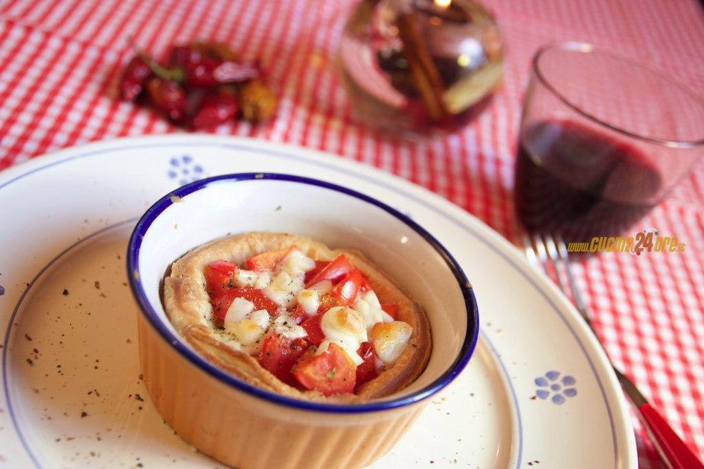 Cestini di PASTA SFOGLIA con POMODORINI e SCAMORZA, Torta Rustica Facilissima – Pasta Baskets with Tomatoes and Scamorza