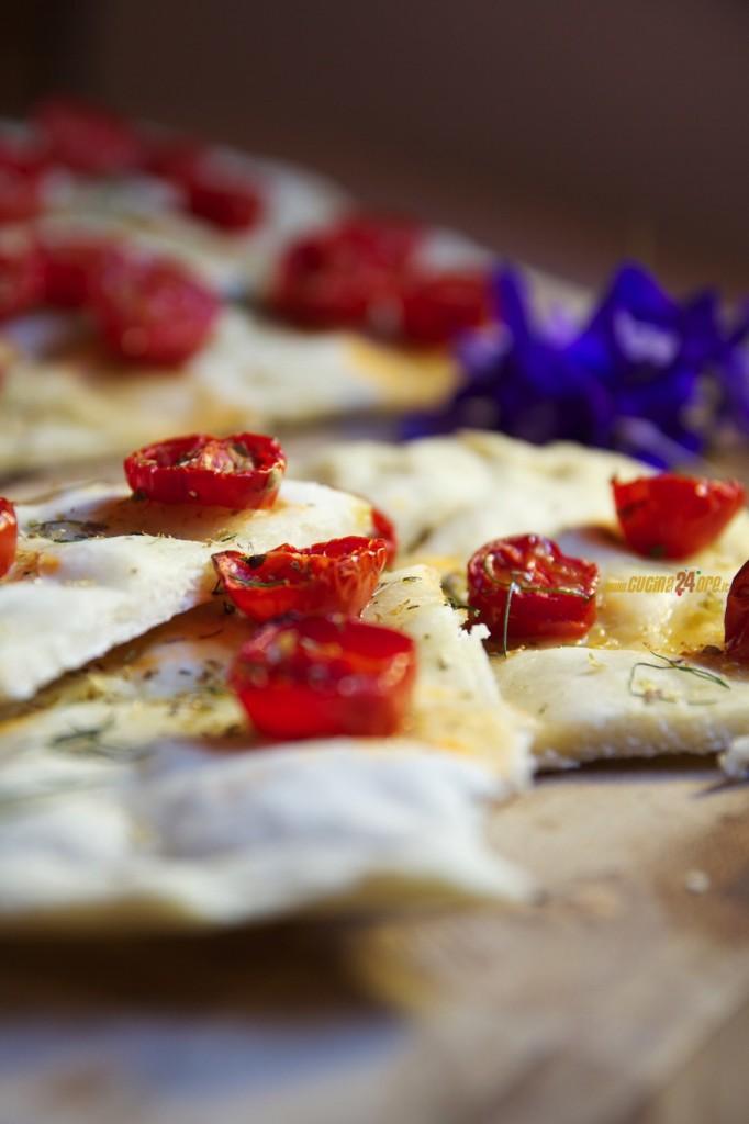 Schiacciata Pomodorini e Origano – Snack Dell'estate Senza Glutine