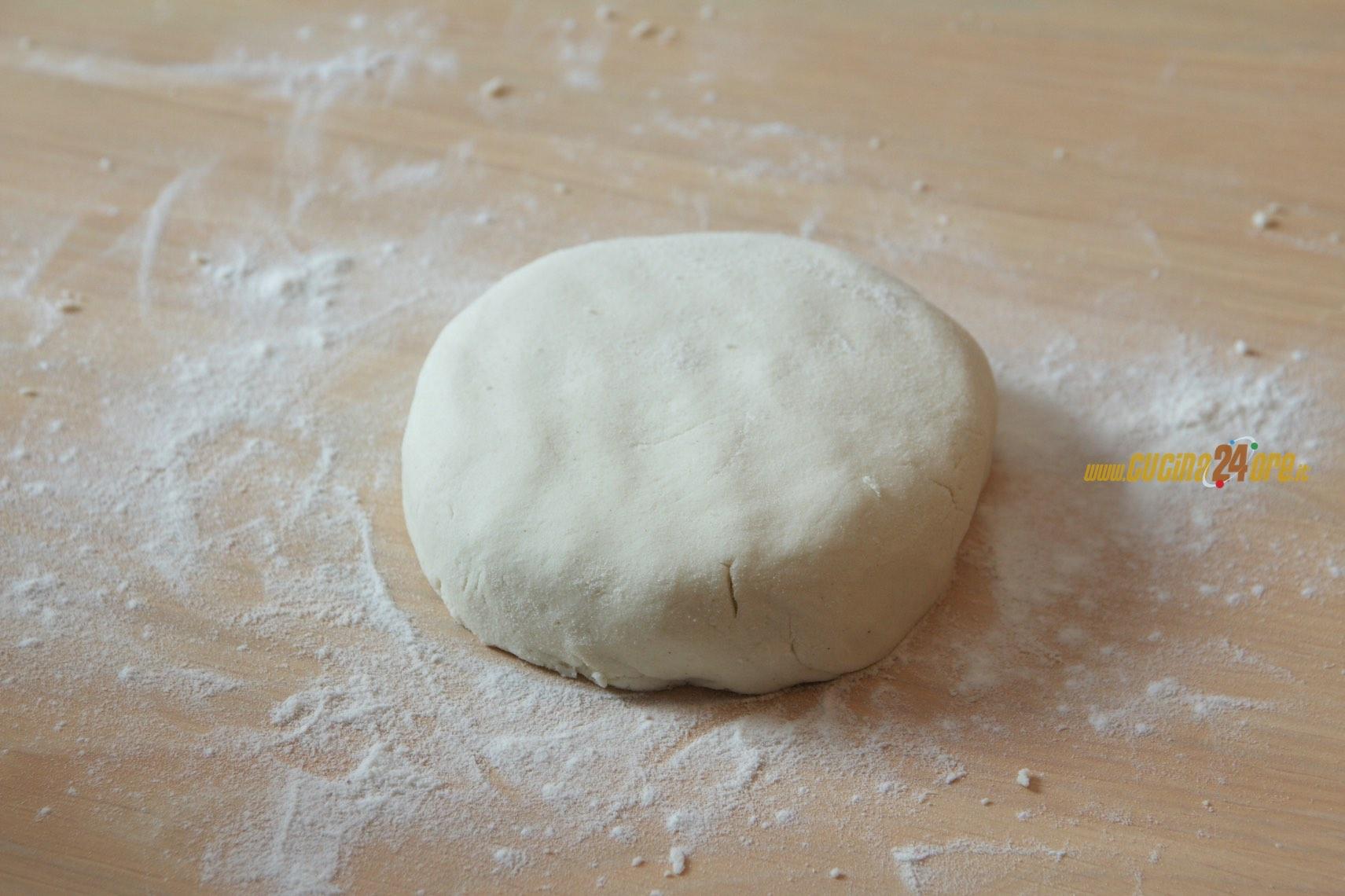 Pasta Brisè Leggera con Farina di Riso, Senza Burro, Glutine e Nichel