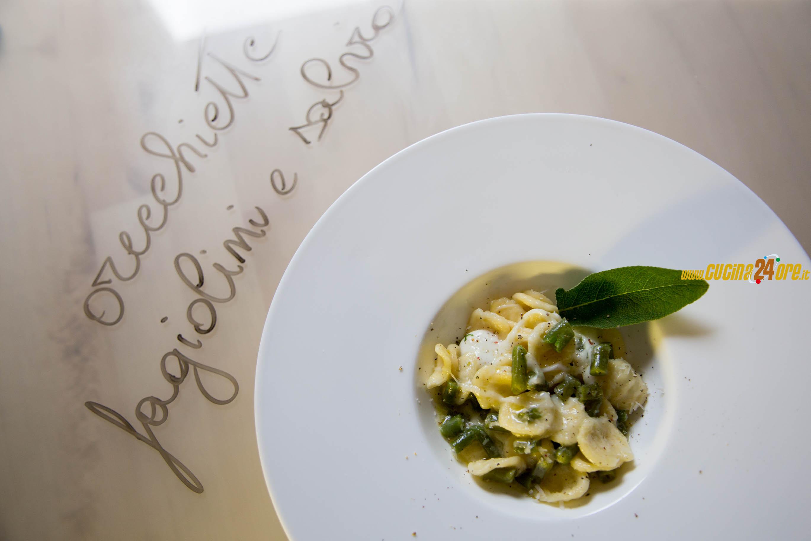 Orecchiette con Fagiolini, Salvia e Mozzarella