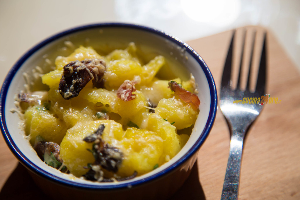 Patate Pasticciate con Funghi, Prosciutto e Parmigiano