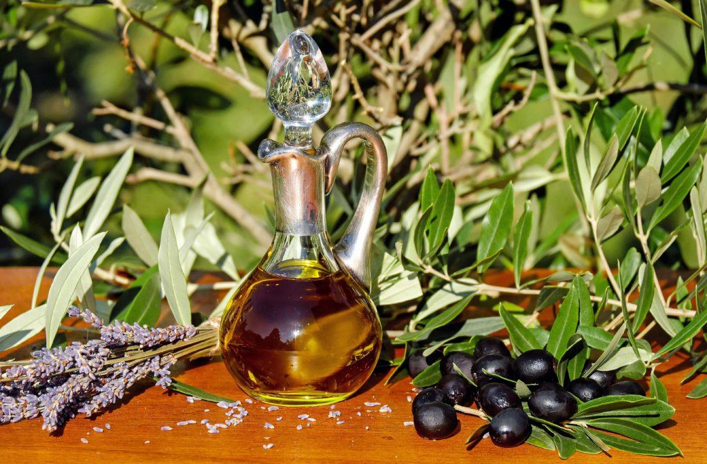 Olio Aromatizzato: 8 Ricette Per Farlo In casa in Poche Mosse