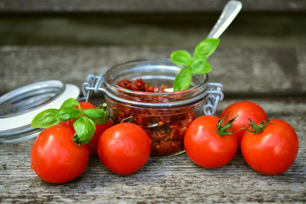 3 Conserve per l'Inverno con Pomodori, Zucchine e Basilico