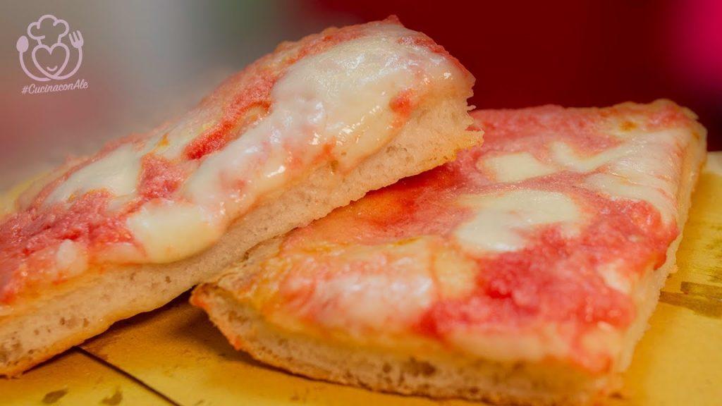 Pizza Senza Glutine Perfetta! Alta, Croccante Fuori e Morbida Dentro, si Impasta in 5 Minuti con 2 gr di Lievito!