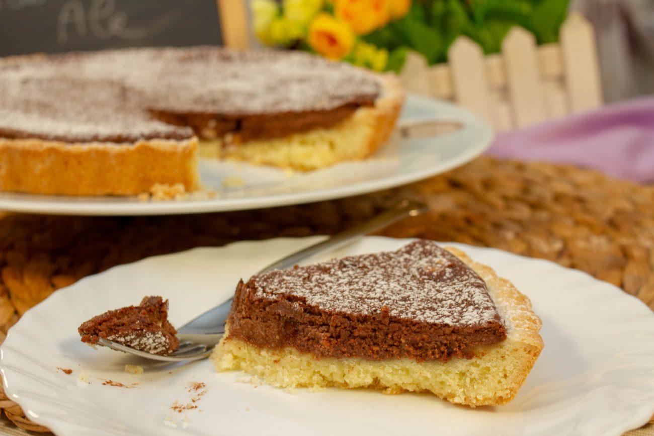 Torta di Pasta Frolla con Ripieno di Ricotta, Mascarpone e Cioccolato