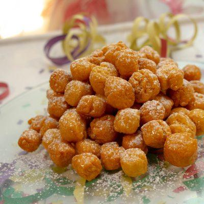 Struffoli o Cicerchiata – Ricetta Facile e Senza Glutine per il Dolce di Carnevale