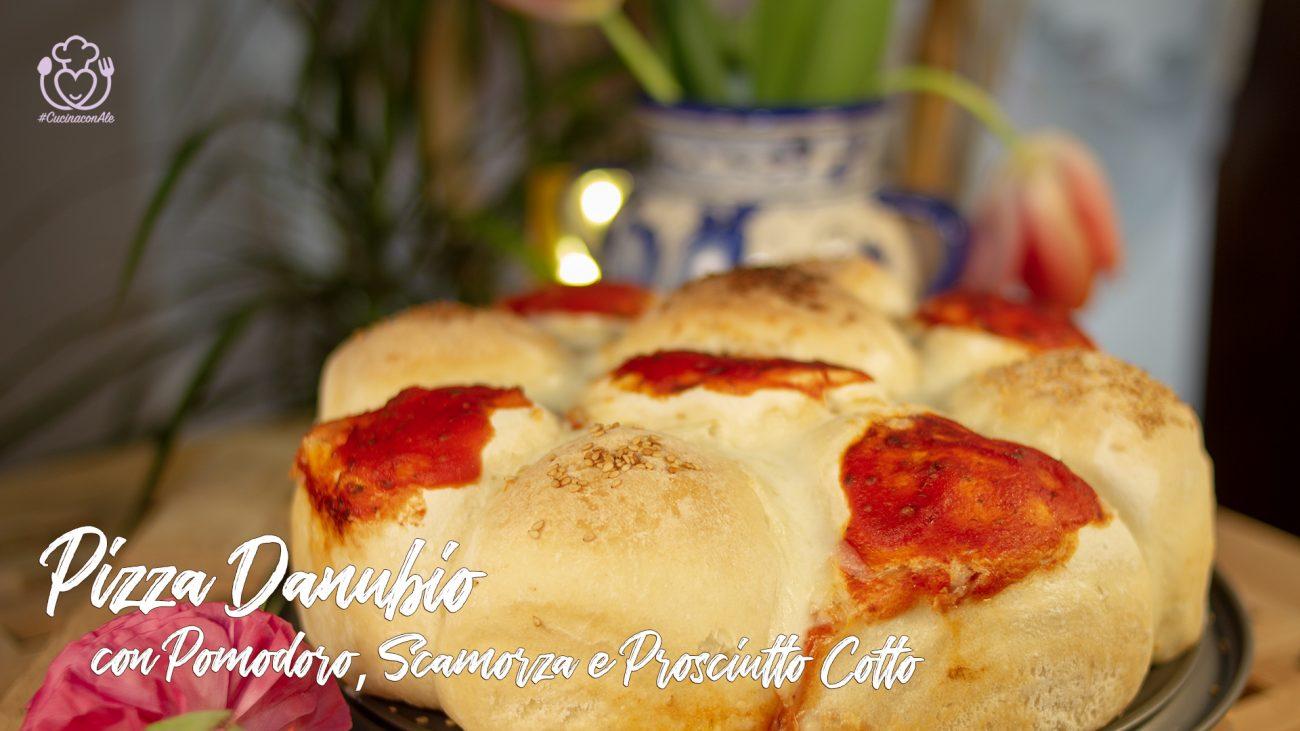 Pizza Danubio Senza Glutine Ripiena con Pomodoro, Scamorza e Prosciutto Cotto