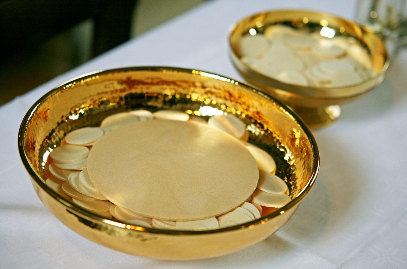 Comunione, Matrimonio ed Eucarestia: il Papa dà l'ok all'Ostia per Celiaci