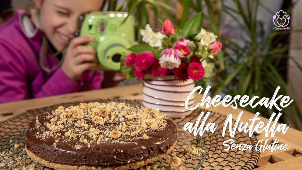 Cheesecake alla Nutella Senza Glutine, Semplice e Veloce con 5 Ingredienti, Pronta in 15 Minuti, Sporcando Solo una Ciotola