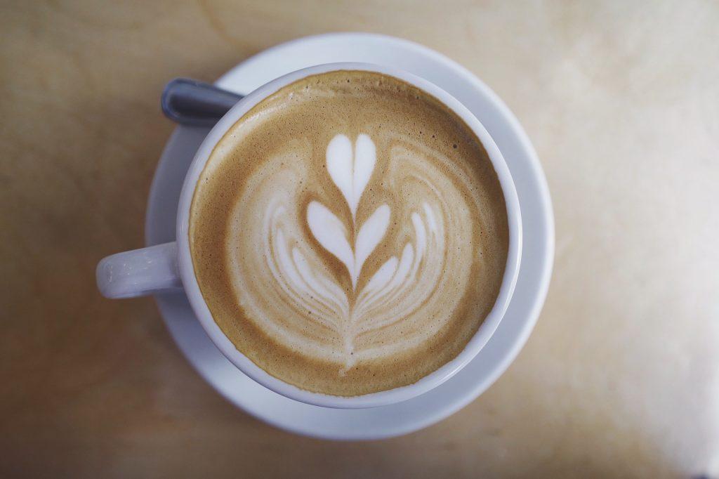 Caffè non incide su rischio tumore ma aumenta quello cuore
