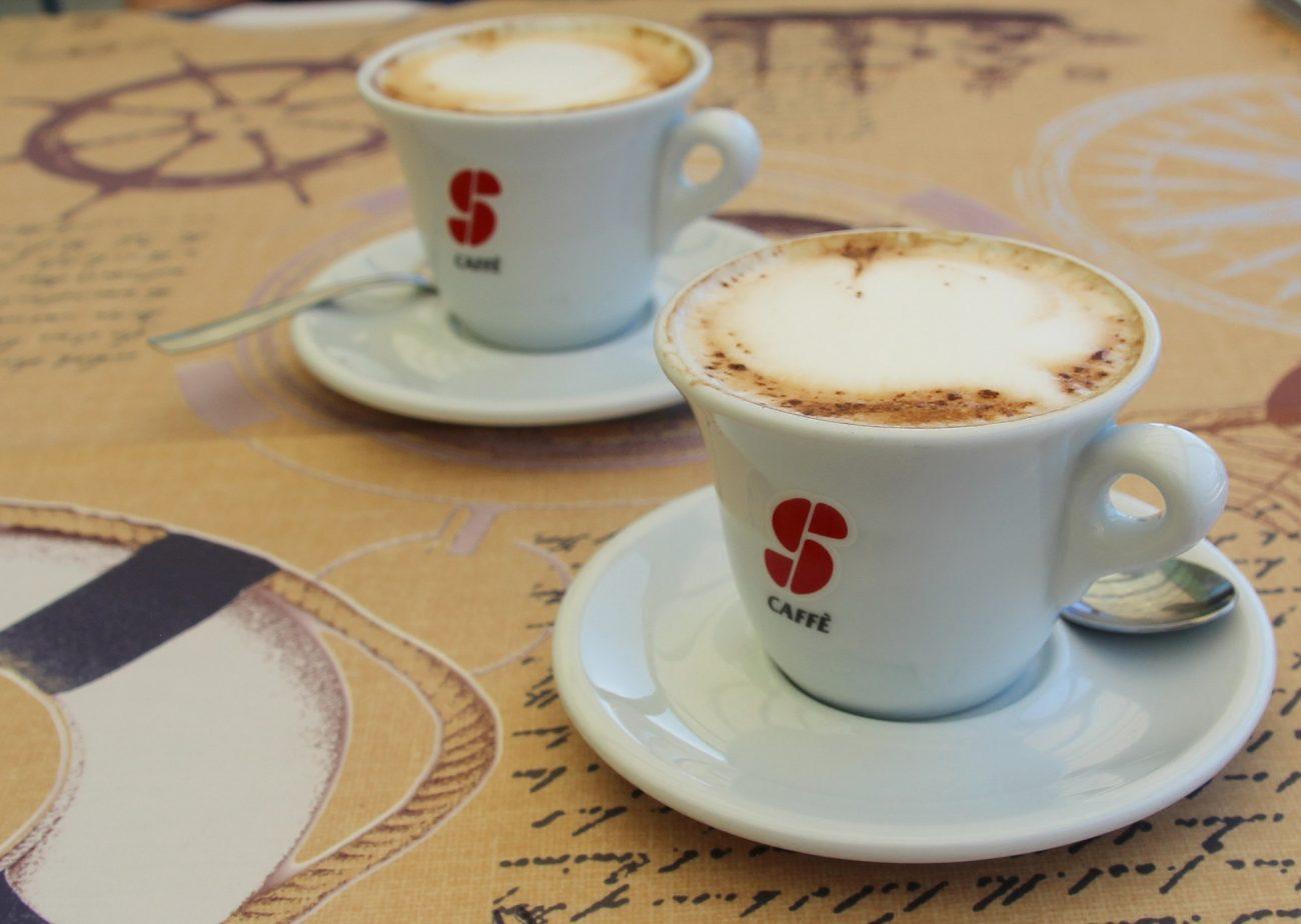 Emicrania, 3 o più tazzine di caffè al giorno possono scatenarla