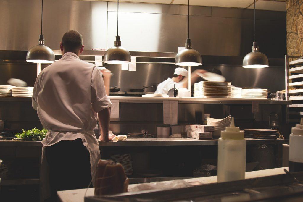 10 ERRORI in cucina che NESSUNO CHEF commetterebbe MAI