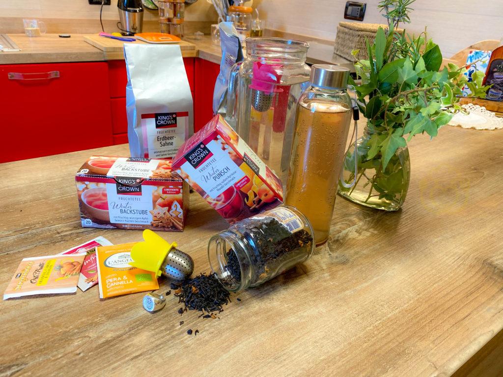 Acqua Aromatizzata Fatta in Casa Senza Zucchero, Naturale, Energizzante e Dissetante