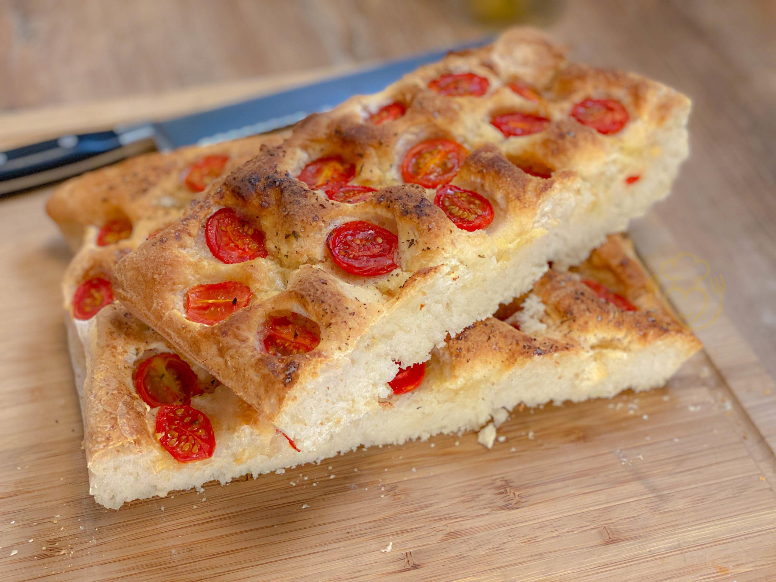Ricetta Focaccia Con Pomodorini.Focaccia Con Pomodorini Alta E Soffice Impasto Nella Ciotola Senza Mani Ricette Di Cucina