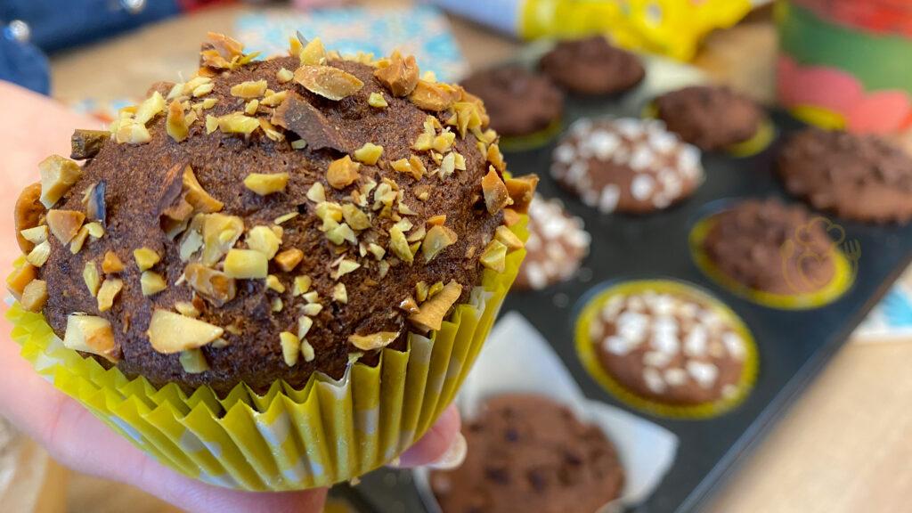 Muffin Veloci al Cacao Integrali – Merenda pronta in 30 minuti, fatti col cucchiaio in brocca!