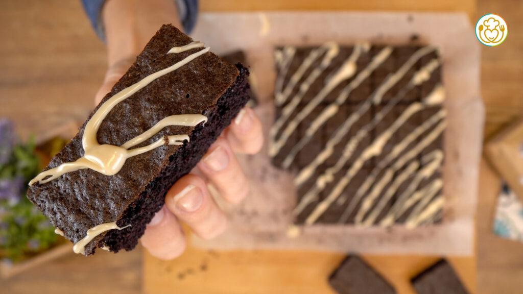 Biscotti Morbidi Integrali Bicolore Senza Cacao e Latte con Solo Farina di Riso Nero e Crema di Mandorle – Solo con la Frusta e Pochi Ingredienti