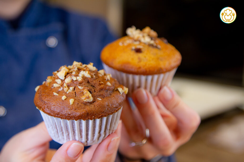 La Ricetta Segreta dei Muffin Istantanei: Muffin Cioccolato e Noci allo Yogurt senza Glutine, un impasto 1000 gusti
