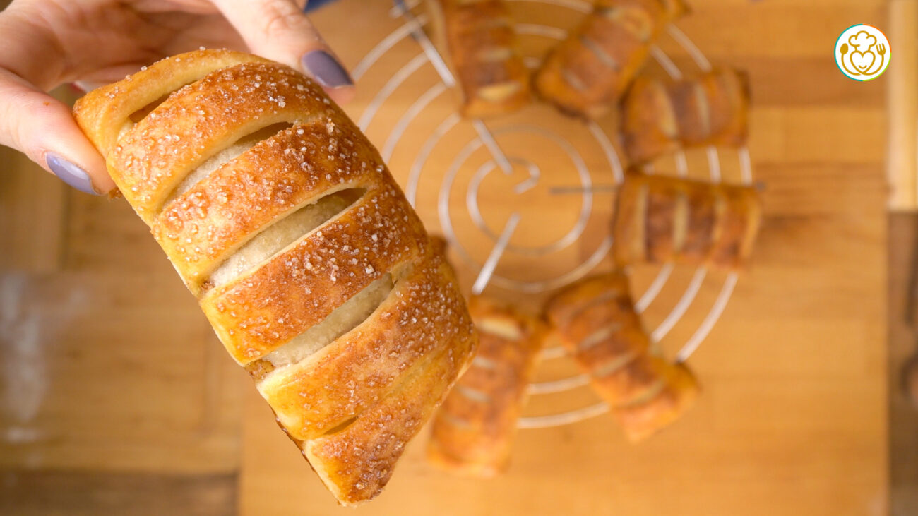 Strudel di Mele Senza Glutine Monoporzione – Brioche Ripiena di Pasta Sfoglia
