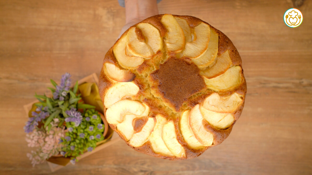 Torta di Mele Senza Glutine e Lievito Solo con Farina di Riso e Bicarbonato