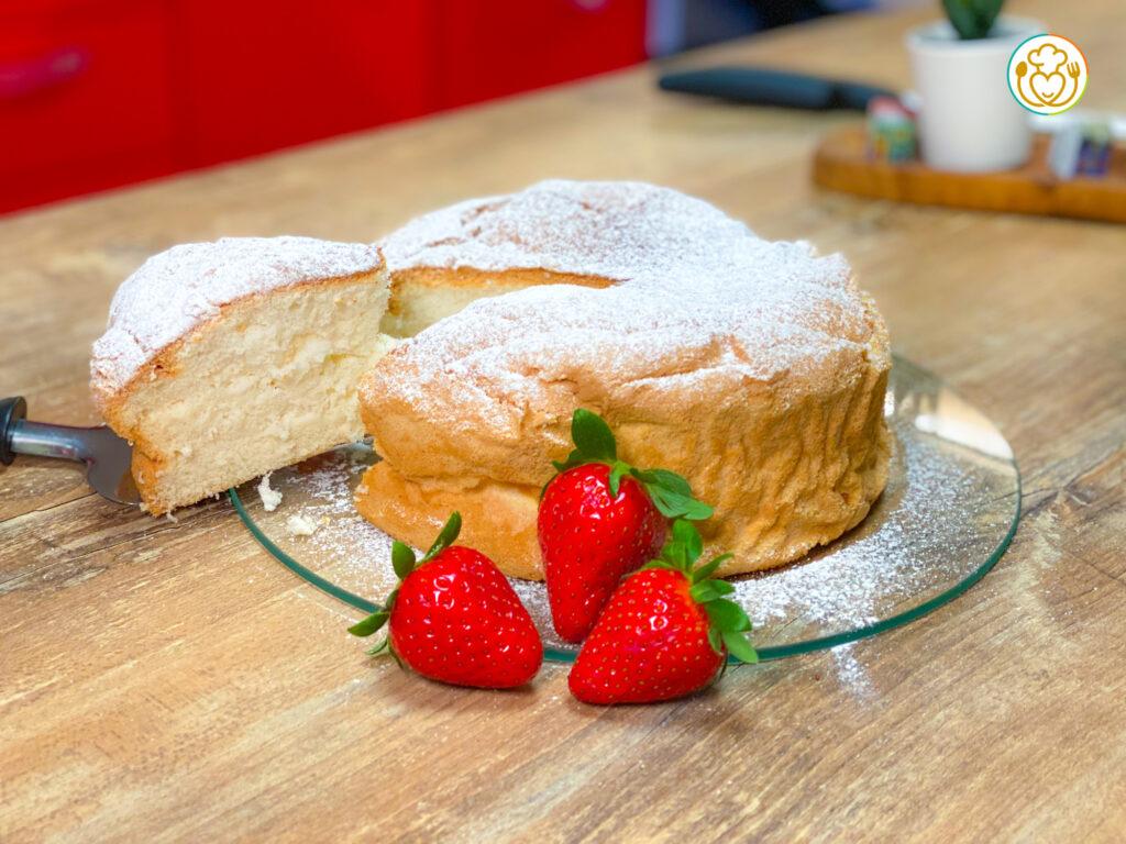 Torta di Albumi con Farina di Riso Senza Glutine, Cremor Tartaro e Lievito, Solo 4 Ingredienti + Vaniglia