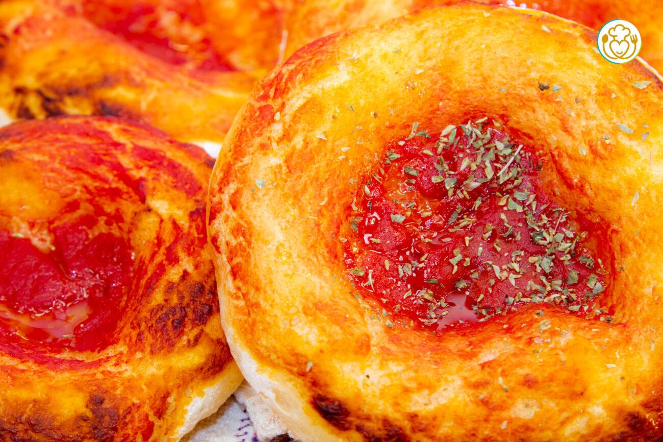 Pizzette al Pomodoro Senza Glutine Facili, Con Bordo Altissimo